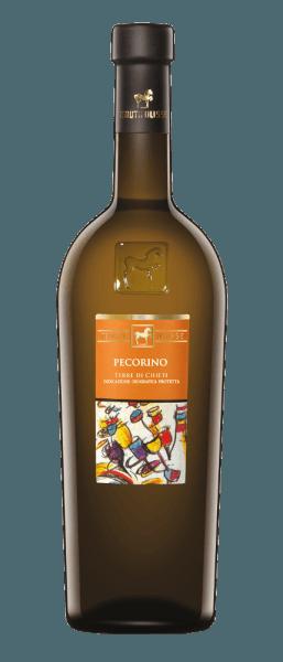 Pekorino Tenuty Ulisse błyszczy jasnożółtym i zielonkawym blaskiem w szkle. To włoskie białe wino schlebia nosowi owocowym bukietem. Rozkładają się pyszne i słodkie aromaty kandyzowanych owoców cytrusowych, białej brzoskwini, ananasa i papai. Te orzeźwiające nuty zaokrągla subtelny niuans soli fizjologicznej. To orzeźwiające pecorino z Włoch jest obecne na podniebieniu z orzeźwiającą kwasowością i rozwija wspaniałą strukturę z dużą ilością ekstraktu. Długotrwałe pogłosy tego wina topnieją z nutami balsamicznymi. Winifikacja Pecorino Terre di Chieti z Ulisse Linia ULISSE składa się z win odmianowych, które imponująco dowodzą, jakie fantastyczne aromaty i smaki powstają, gdy rodzime odmiany winogron rosną na glebie, która jest dla nich idealna. Pochodzenie winogron pecorino jest niepewne, ale uprawia się je od wieków w centralnych regionach Włoch, takich jak Abruzja. Selektywny zbiór odbywa się w 10 kilogramowych pojemnikach, schłodzonych suchym lodem, winogrona docierają do winnicy nieuszkodzone. Tam są one wybierane ponownie, aby zapewnić absolutnie zdrowy odczyt. Winogrona schładza się do -5°C azotem w ciągu 3 minut. Niszczy to strukturę komórek i sprzyja ekstrakcji, co wyjaśnia intensywny, fascynujący aromat świeżych owoców tego wina. Fermentacja odbywa się w zbiornikach ze stali nierdzewnej z późniejszym starzeniem przez okres 3 miesięcy. Polecane jedzenie dla Pecorino Ulisse Ciesz się tym suchym białym winem z grillowanymi lub surowymi rybami, skorupiakami, risotto lub serem. Nagrody dla Pecorino Tenuty Ulisse Luca Maroni: 95 punktów za 2018 r. Luca Maroni: 96 punktów za 2016 r. International Wine Challenge: Złoto 2016 International Wine Challenge: Najlepsze Pecorino na wystawie w 2016 roku AWC Wiedeń: Srebro na 2016 Gambero Rosso: 2 szklanki (roczniki 2015, 2014, 2013, 2012, 2010)