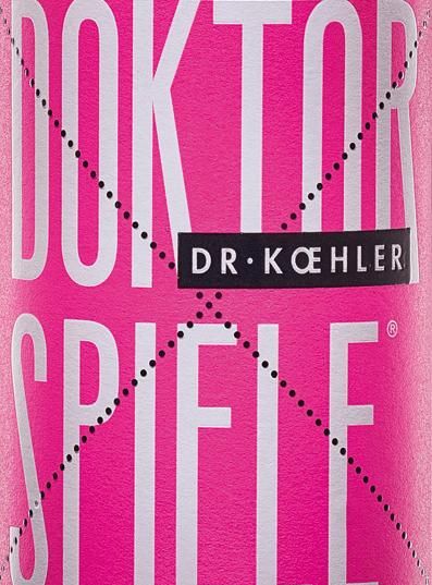 Gra doktorska dr Koehler Rosé świeci migoczącym różowym tonem. Cuvée składa się z czterech odmian winogronCabernet Sauvignon, Frühburgunder, Merlot i Spätburgunder. W nosie pojawia się wino z Rheinhessen z wyraźnym bukietem granatu z delikatnymi odcieniami czerwonych jagód. Podłoga doktorskiej gry dr Koehler Rosé rozpieszcza aromatami soczystych wiśni, dojrzałych malin i subtelnej owocowej słodyczy. Odcisk nosa powtarzają drobne dźwięki na podniebieniu. Ciało zachwyca swoją siłą i filigranową strukturą. Wino o żywotnej świeżości i wykończeniu niesione przez słodkie czerwone owoce. Polecane jedzenie do gier doktoranckich Rosé Ciesz się tym fantastycznie smacznym winem różowym z Rheinhessen po prostu tak, z grillowanymi owocami morza lub z warzywami śródziemnomorskimi.